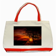 Lonely Tree Sunset Wallpaper Classic Tote Bag (Red)