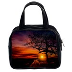 Lonely Tree Sunset Wallpaper Classic Handbag (Two Sides) Front