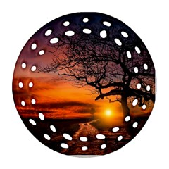 Lonely Tree Sunset Wallpaper Round Filigree Ornament (Two Sides)
