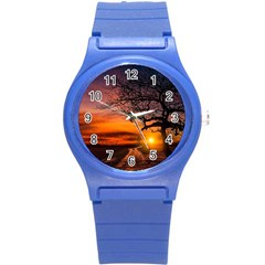 Lonely Tree Sunset Wallpaper Round Plastic Sport Watch (S)