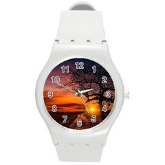 Lonely Tree Sunset Wallpaper Round Plastic Sport Watch (m)