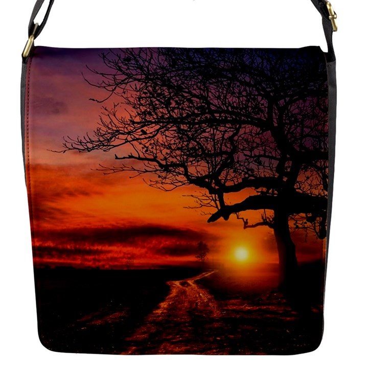 Lonely Tree Sunset Wallpaper Flap Closure Messenger Bag (S)