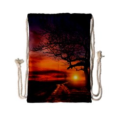 Lonely Tree Sunset Wallpaper Drawstring Bag (Small)