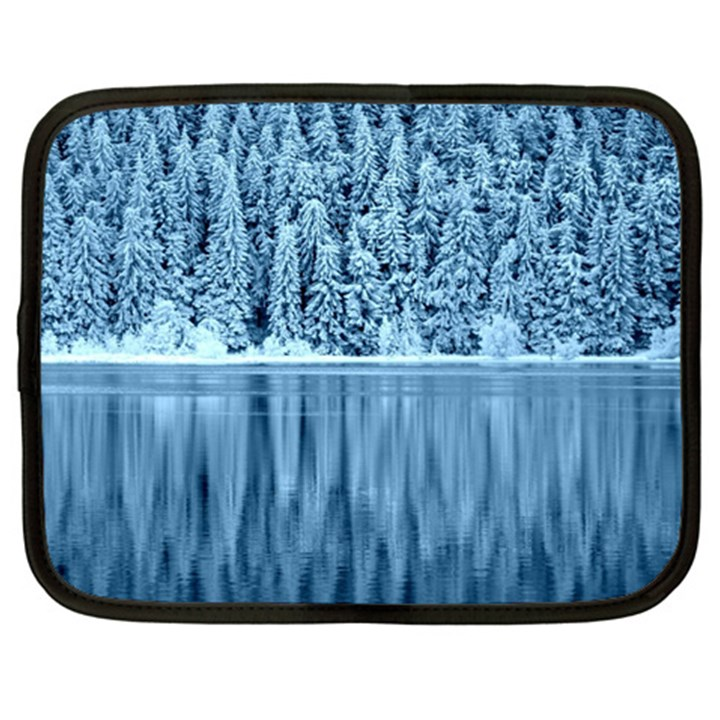 Snowy Forest Reflection Lake Netbook Case (Large)