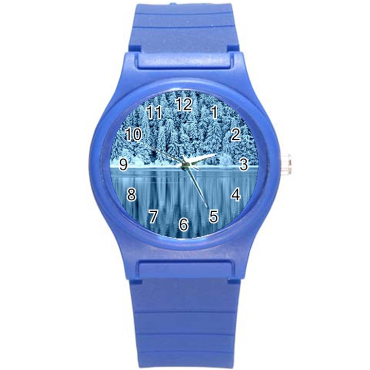 Snowy Forest Reflection Lake Round Plastic Sport Watch (S)