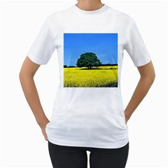 Tree In Field Women s T Shirt (white)