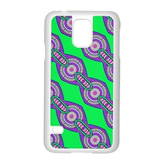 Purple Chains On A Green Background                                              Motorola Moto G (1st Generation) Hardshell Case by LalyLauraFLM
