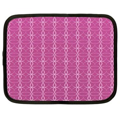 Circle Chic Pink Netbook Case (xl) by TimelessDesigns
