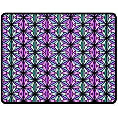 Geometric Patterns Triangle Seamless Fleece Blanket (medium)