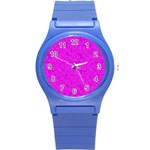 Triangle Pattern Seamless Color Round Plastic Sport Watch (S) Front