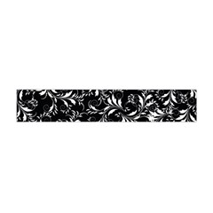 Fancy Floral Pattern Flano Scarf (mini)