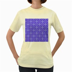 Decor Pattern Blue Curved Line Women s Yellow T Shirt