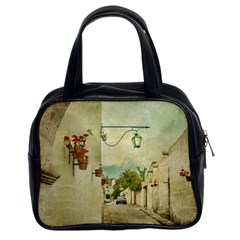Vintage Grunge Print Arequipa Street, Peru Classic Handbag (two Sides) by dflcprintsclothing