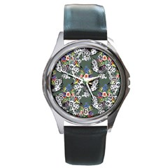Vintage flowers and birds pattern Round Metal Watch