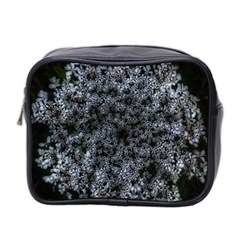 Queen Annes Lace In White Mini Toiletries Bag (two Sides)