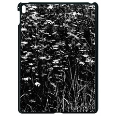 High Contrast Black And White Queen Anne s Lace Hillside Apple Ipad Pro 9 7   Black Seamless Case