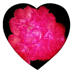 Single Geranium Blossom Jigsaw Puzzle (heart)