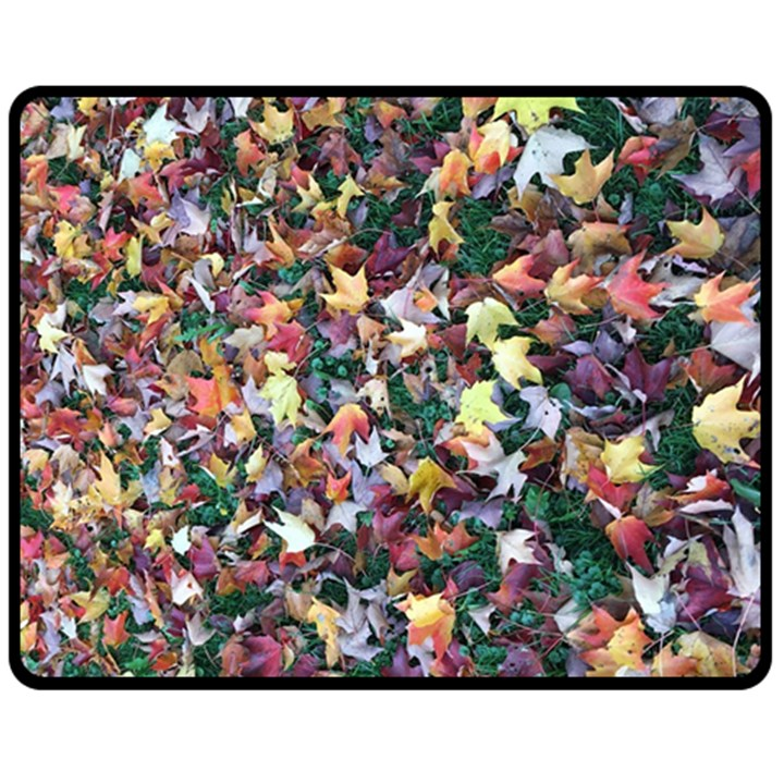 Scattered leaves Fleece Blanket (Medium)
