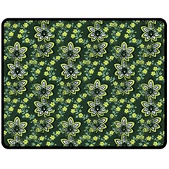 Abstract Pattern Flower Leaf Fleece Blanket (medium)