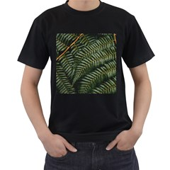 Green Leaves Photo Men s T Shirt (black)