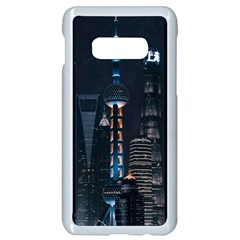 Lighted Tower Beside Building Samsung Galaxy S10e Seamless Case (white) by Simbadda