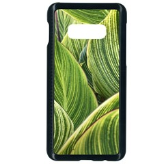 Leaves Striped Pattern Texture Samsung Galaxy S10e Seamless Case (black)