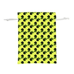 Black Rose Yellow Lightweight Drawstring Pouch (s)