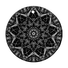 Black And White Pattern Round Ornament (two Sides) by Sobalvarro