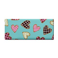 Seamless Pattern With Heart Shaped Cookies With Sugar Icing Hand Towel