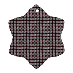 Red Halloween Spider Tile Pattern Ornament (snowflake)