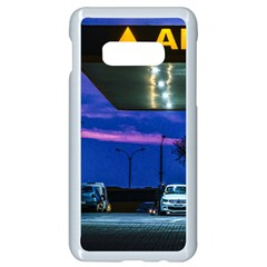 Night Scene Gas Station Building, Montevideo, Uruguay Samsung Galaxy S10e Seamless Case (white) by dflcprintsclothing